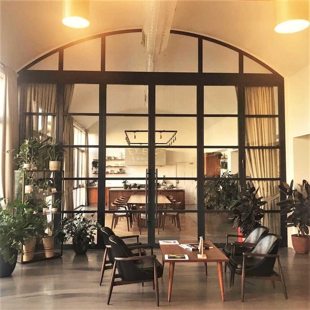 Paslanmaz Çelik ve Çelik Profiller ile Kapılar ve Cepheler