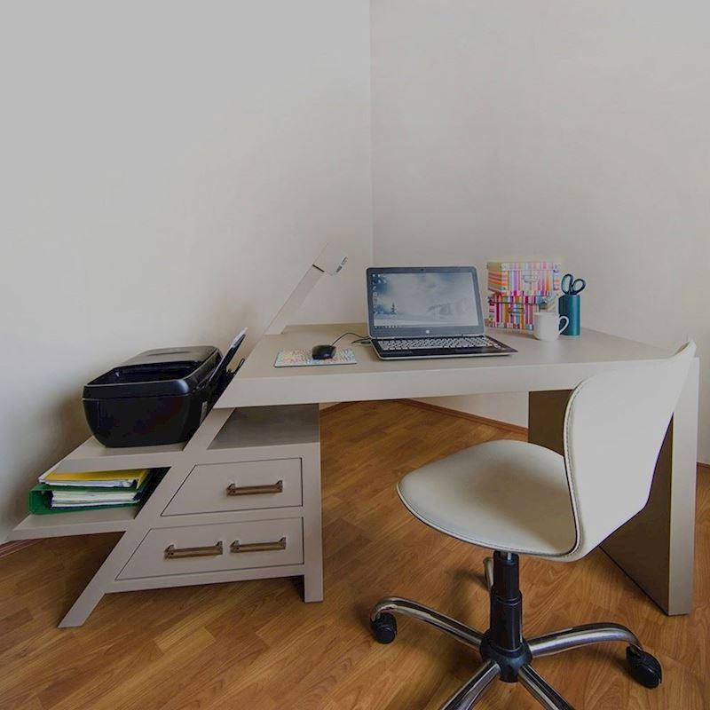 Aydınlatmalı Çalışma Masası