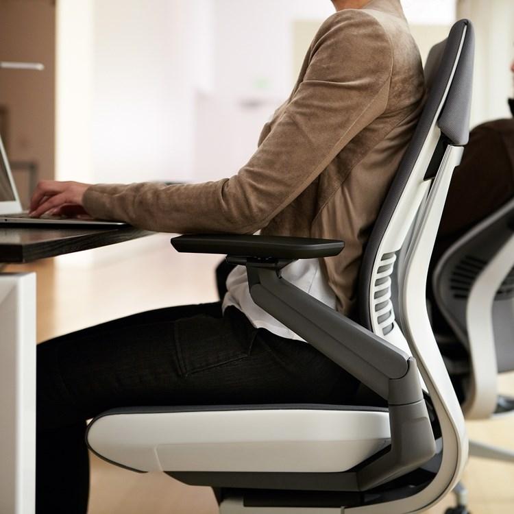 Office Furnitures | Gesture - 4
