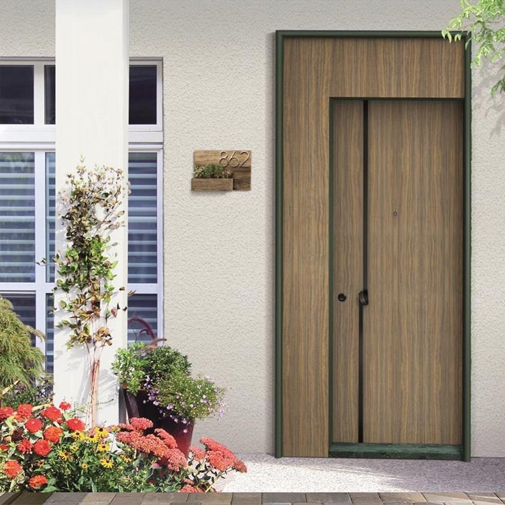 Steel Door | Luu -139